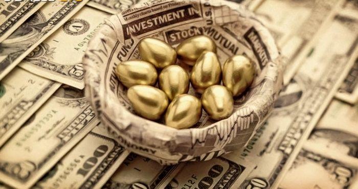 Цена золота падает на фоне укрепления доллара