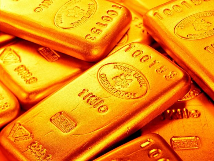 Цена золота выросла на фоне ослабления доллара