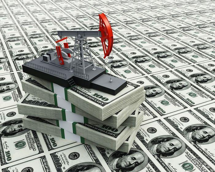 Цены на нефть обвалились на опасениях по поводу запасов и доллара