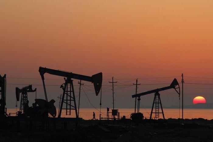 Цены на нефть падают на фоне прекращения перебоев с поставками