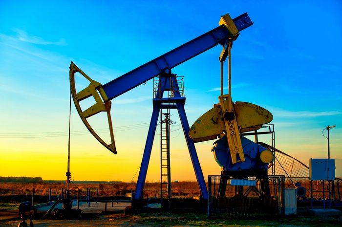 Цены на нефть поднялись более чем на 1%
