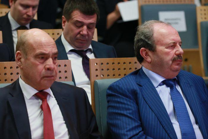 Цены на нефть подскочили на 2% в надежде на сотрудничество россии с опек