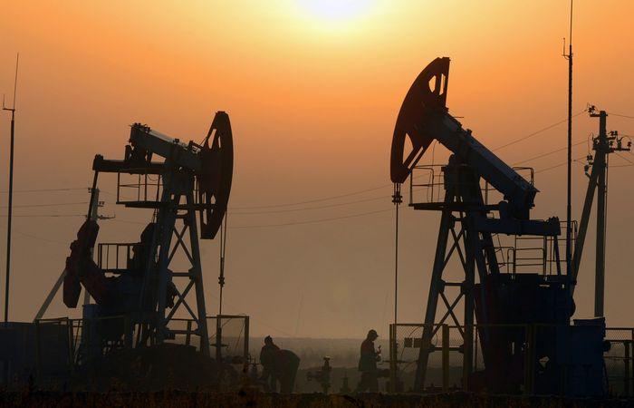 Цены на нефть продолжают рост на статданных сша