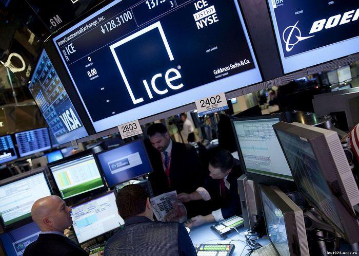 Цены на нефть резко падают в предрождественских торгах