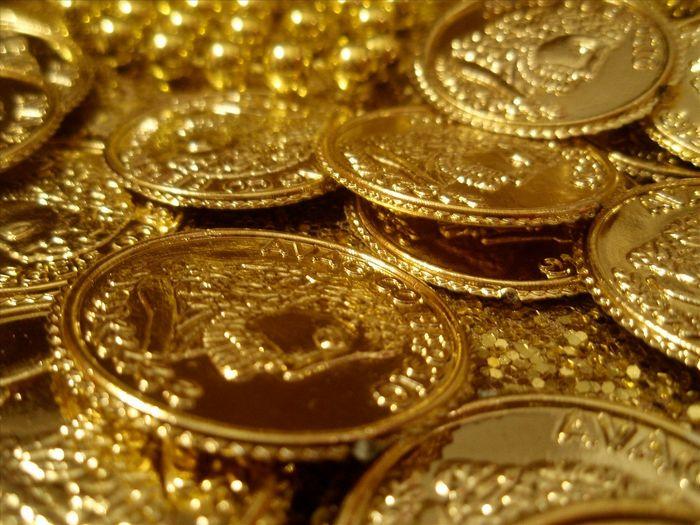 Цены на золото немного выросли в ходе азиатской сессии