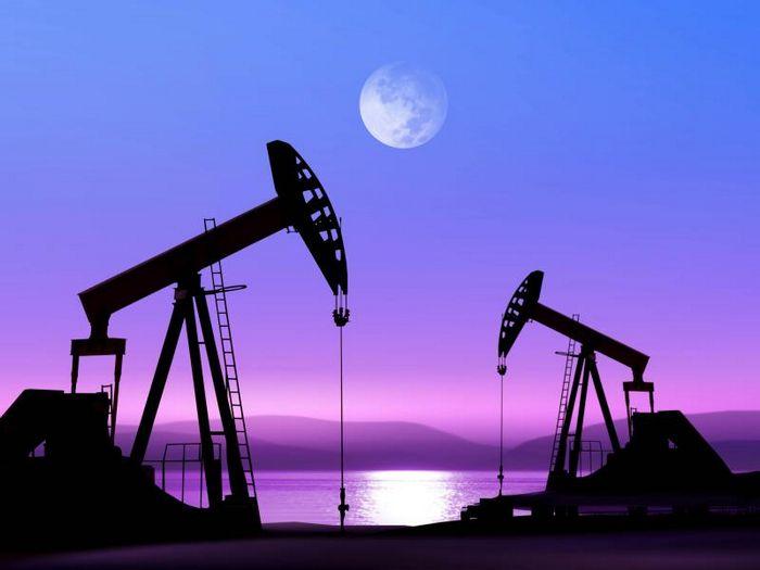Фьючерс wti опускается на повышенных американских запасах нефти