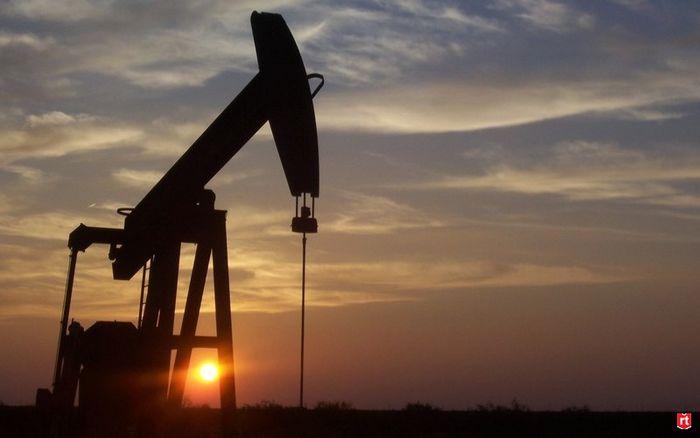 Фьючерсы на нефть снизились на фоне спроса сша