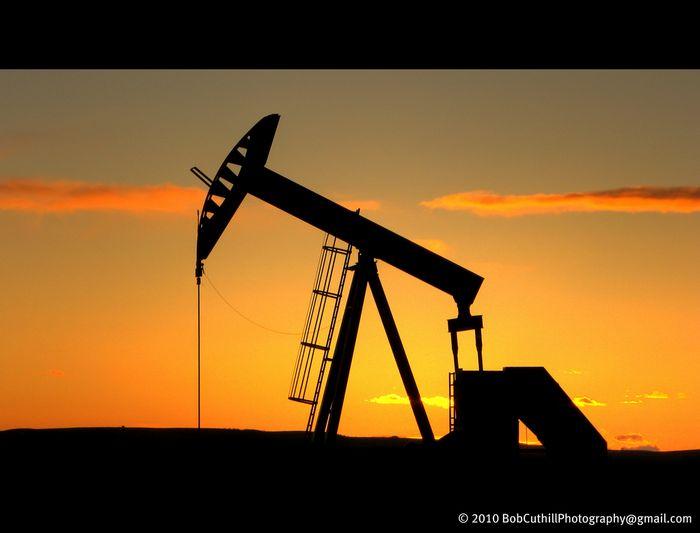 Фьючерсы на wti дешевеют на фоне увеличения запасов нефти в сша