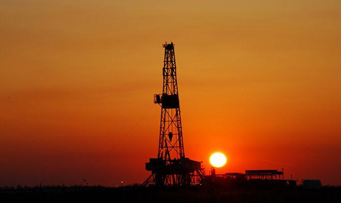 Фьючерсы на wti продолжают спад на данных по запасам нефти в сша