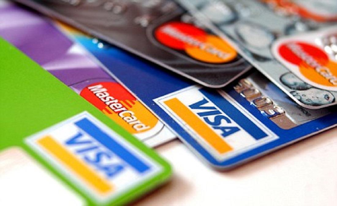 Готовимся к отпуску: учимся зарабатывать на валютной карточке