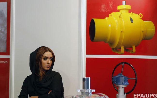 Иран снизит экспорт нефти в декабре до 5-месячного минимума - источник