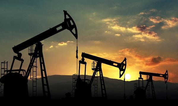 Избытку нефти на мировом рынке не видно конца - аналитики