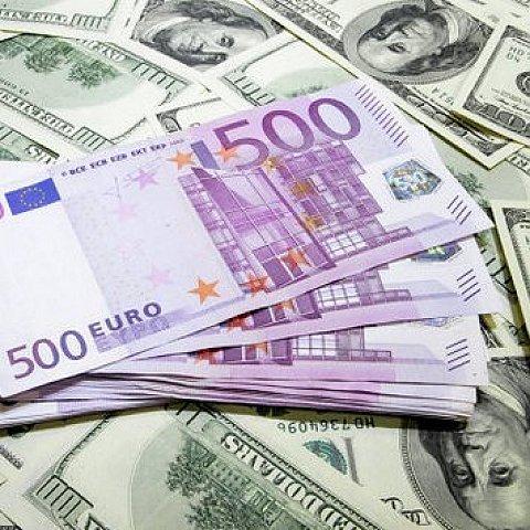 Какую валюту брать в италию