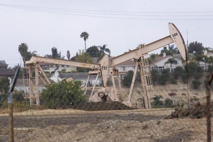 Нефть дешевеет, в фокусе рост буровой активности в сша