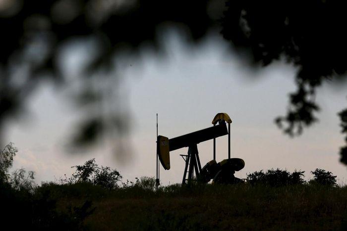 Нефть выросла в ходе азиатской сессии в ожидании отраслевых оценок