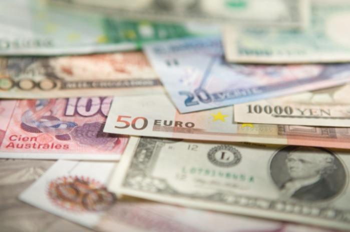 Почему меняются курсы валют?