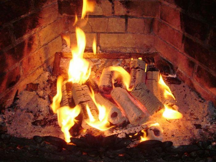 Природный газ продолжает снижаться после скачка в понедельник на 8%