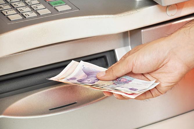 Проценты по рублевым кредитам выше, но от этого сами кредиты не менее выгодны