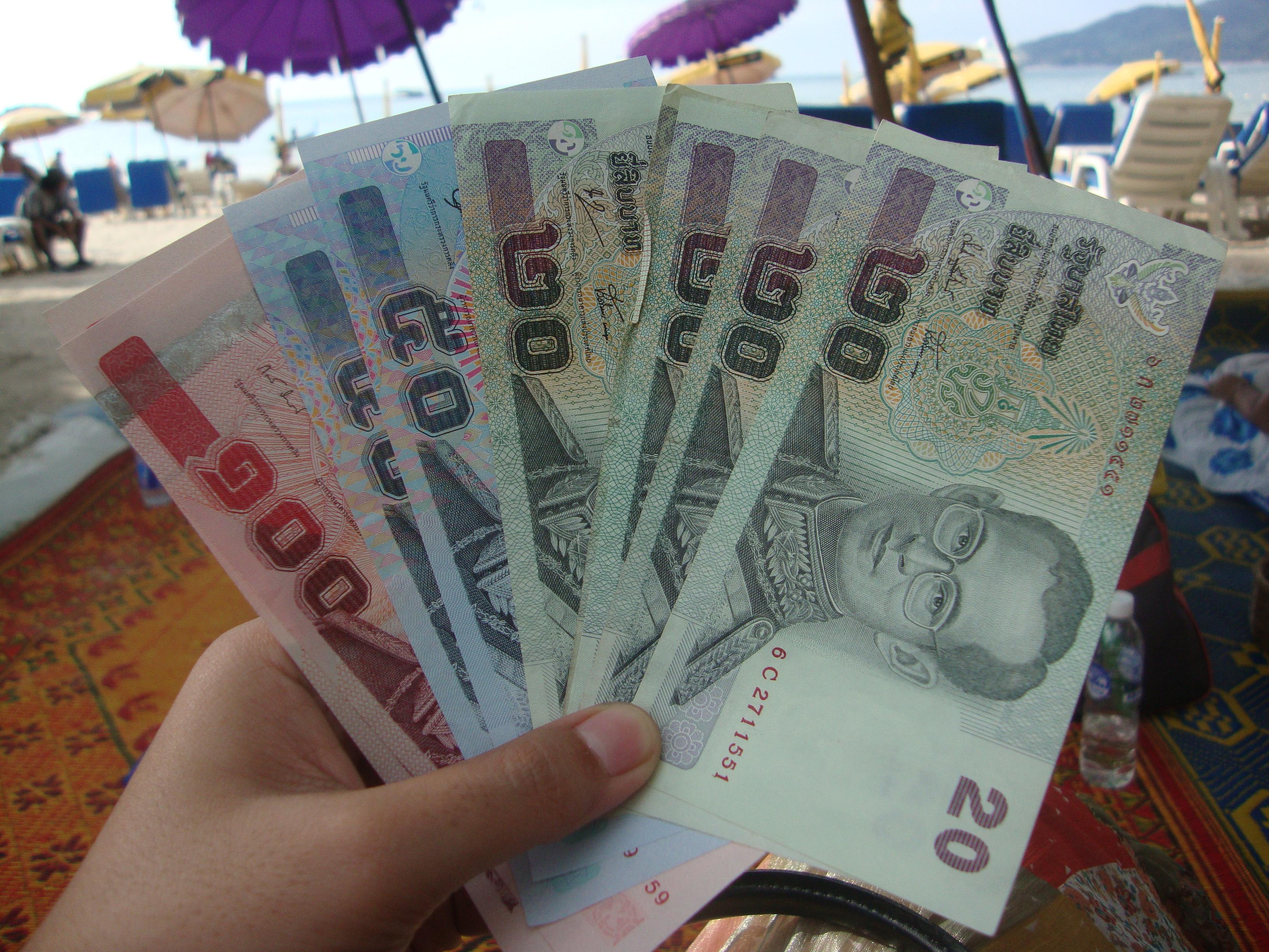 С какой валютой ехать на пхукет