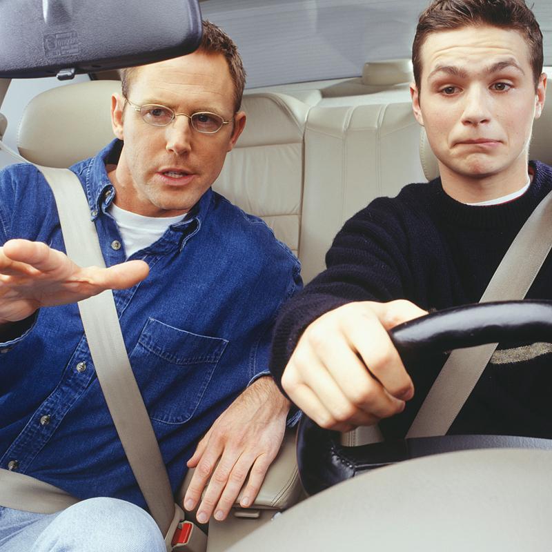 Сколько стоят курсы по вождению
