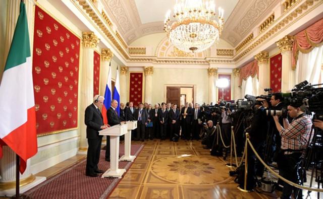 Выборы давят на рубль